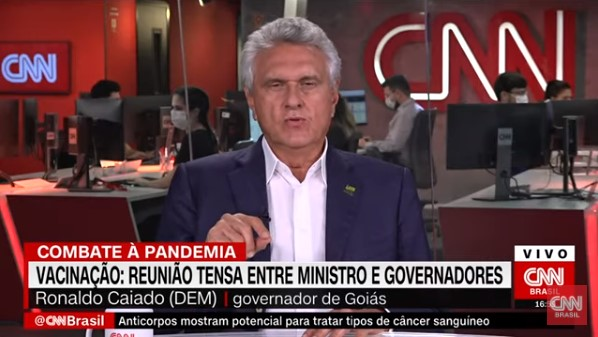 Caiado critica Greca e Doria sobre campanha de vacinação ao Covid-19 sem autorização da Anvisa