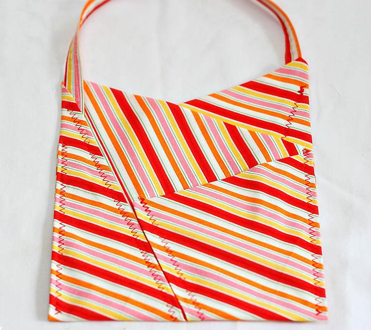 One Fat Quarter Gift Bag Tutorial