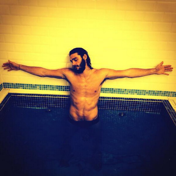 Andy Carroll tweets photo of himself depicting Jesus Christ
