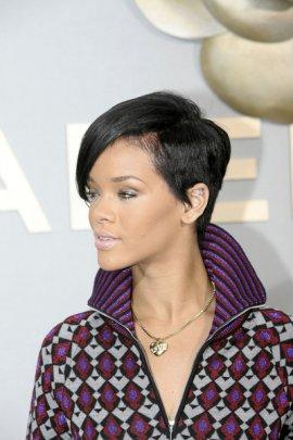 Remarkable Rihanna Short Hairstyles Hairstyles And Haircuts Short Hairstyles Gunalazisus