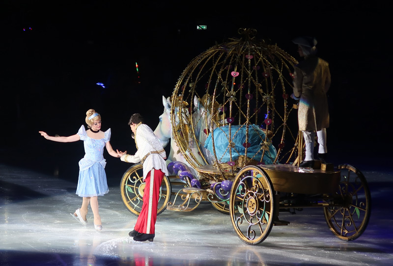 Disney on Ice Presents Dream Big - A Review - Cinderella carriage and Prince Charming