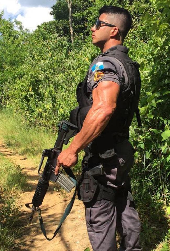 sexy-dark-muscular-brazilian-latino-veiny-bicep-strong-arm-uniform-soldier-sunglasses