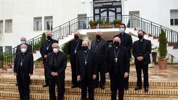 """Los Obispos del Sur piden a las cofradías que """"eviten sucedáneos"""" de sus procesiones"""
