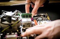 bisnis yang bakal berkembang, usaha yang bakal berkembang pesat, bisnis yang bakal berkembang cepat, usaha prospek cerah, bisnis yang diminati, usaha service komputer, service komputer, usaha handpone, komputer, jasa reparasi komputer