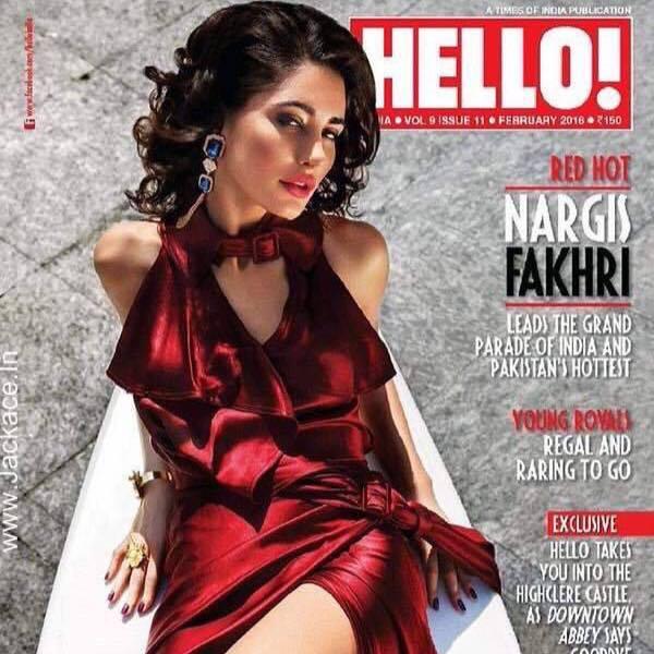 Nargis fakhri Hot Age,movies,husband,married,feet,kiss,Saree,upcoming movies,diet