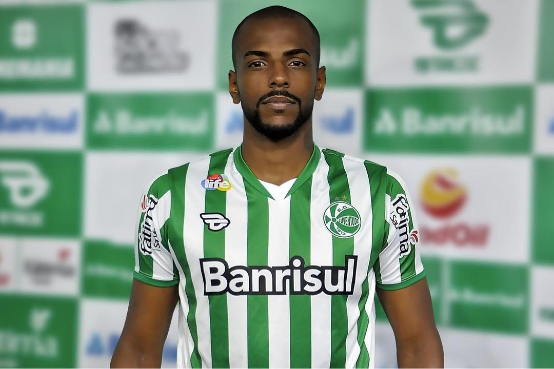 Sondado pelo São Paulo, zagueiro do Juventude, tem proposta oficial do Vitória 1