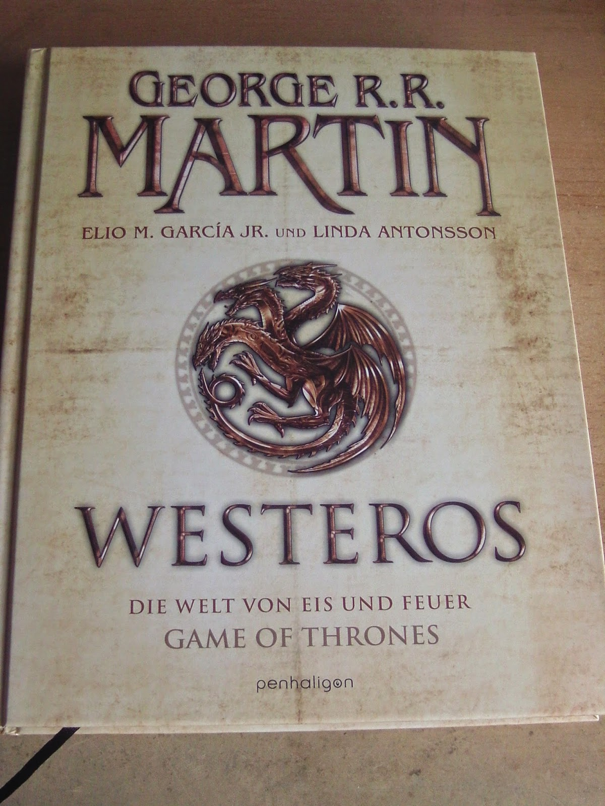 http://www.amazon.de/Westeros-Welt-Feuer-THRONES-Bildband/dp/3764531363/ref=sr_1_1?ie=UTF8&qid=1429121031&sr=8-1&keywords=westeros