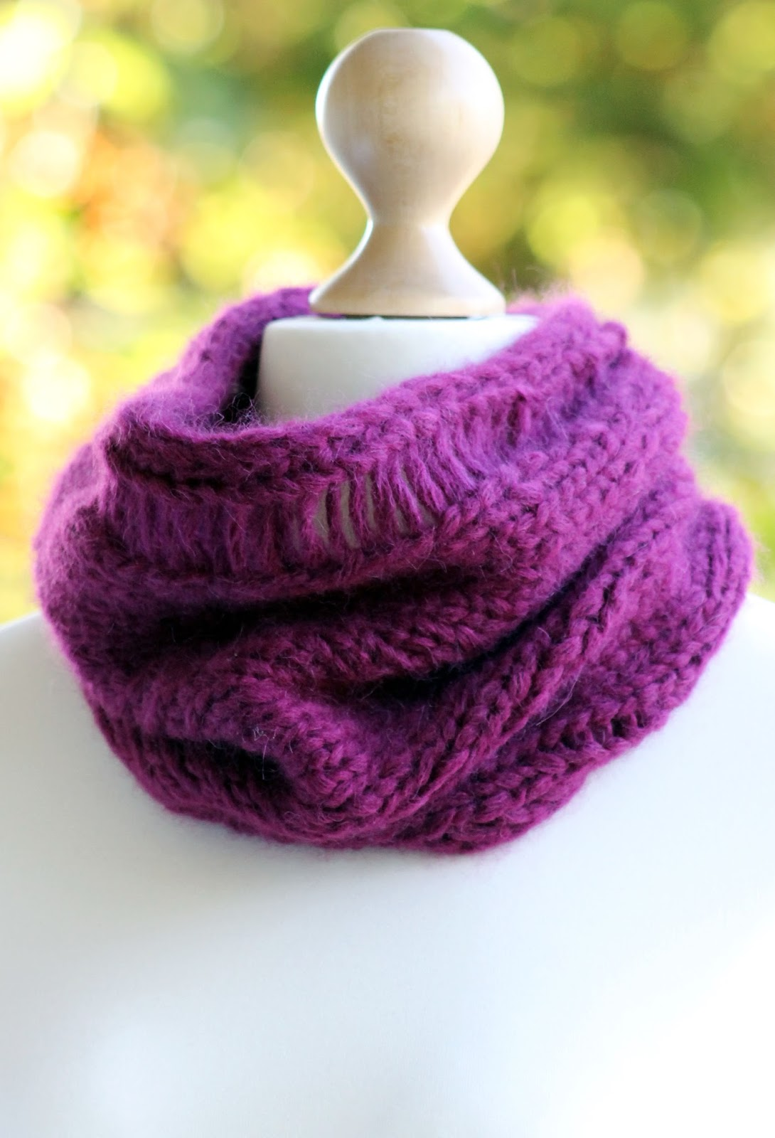 Balls to the Walls Knits: Magentalicious Cowl