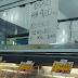 'Osso é vendido, não dado', cartaz chama atenção em mercado de Florianópolis