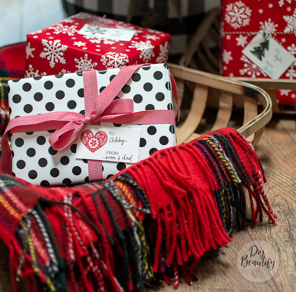 Nordic style gift tags