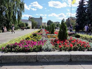 Житомир. Площадь Королёва. Клумба