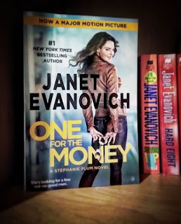 Stephanie Plum Book Series by Janet Evanovich