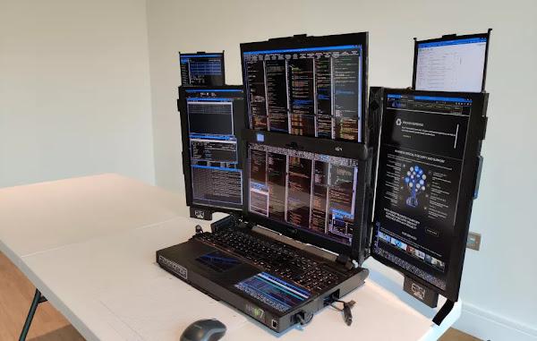 Aurora 7 - Um portátil com 7 ecrãs