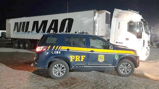 PRF recupera em Mamanguape carreta roubada na capital paraibana