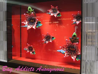 Yayoi Kusama x Louis Vuitton Flowers With Eyes Window