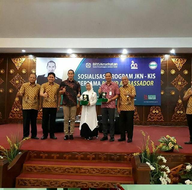 Kegiatan ini dihadiri Kepala Dinas Kesehatan Riau, Deputy Direksi Wilayah BPJS Kesehatan Sumbar Riau Kepri Jambi, Kepala BPJS Kesehatan Cabang Pekanbaru, dan Ketua yayasan STMIK-AMIK Riau