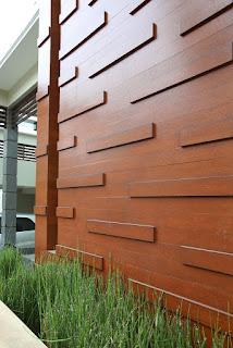 Dinding rumah yang dilapisi Conwood