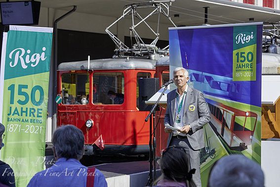 Frédéric Füssenich (CEO Rigibahnen) bei seiner kurzen Ansprache vor den Gästen
