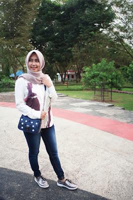 foto model hijab zaskia adya mecca foto model hijab zoya gambar model hijab zoya celana jeans ketat dan manis
