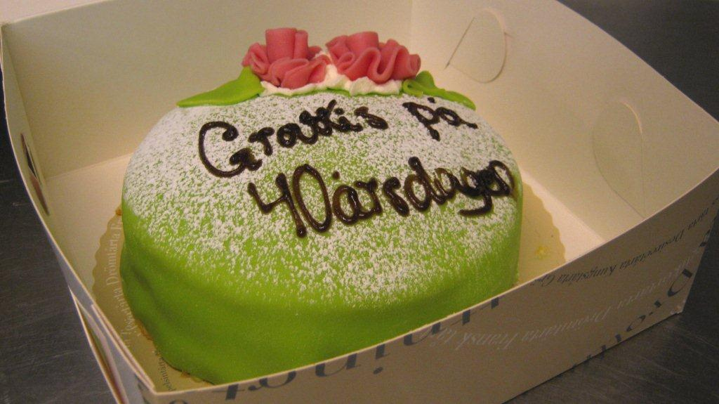 tårta 40 år Blommenhof: Morgonen då Tina blev fem år äldre tårta 40 år