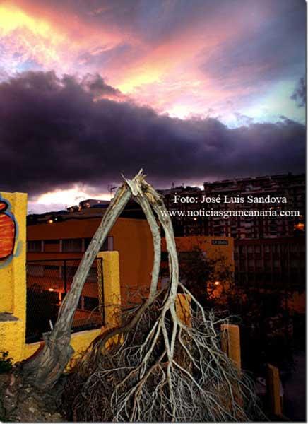 Madrugada de terror en Canarias por viento
