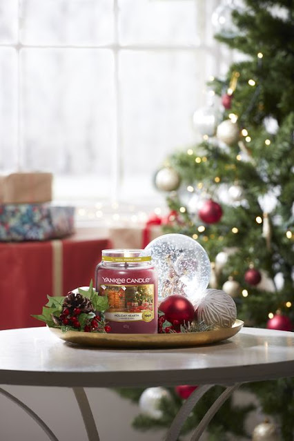 yankee candle holiday hearth review, yankee candle holiday hearth avis, holiday hearth yankee candle, avis bougie holiday hearth yankee candle, cheminée de noël yankee candle, avis bougie cheminée de noël yankee candle, cheminée de noël yankee candle avis, bougie de noël yankee candle, bougies yankee candle noël 2020, bougie parfumée yankee candle, yankee candle, yankee candle review, blog bougie parfumée, bougie parfumée américaine, bougies yankee candle