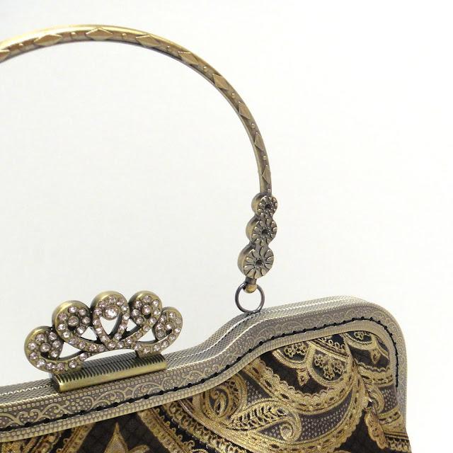 Женская сумка на вечер: черный & золотой, стразы на фермуаре. В единственном экземпляре. Заказать доставку - пишите oksmoroz@yandex.ru