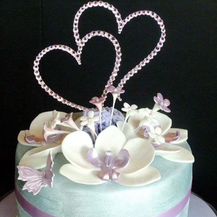 two hearts wedding cake topper cake magazine. Black Bedroom Furniture Sets. Home Design Ideas