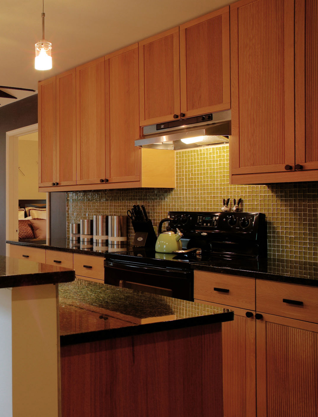 Solid wood kitchen cabinets made in usa for Kitchen cabinets usa