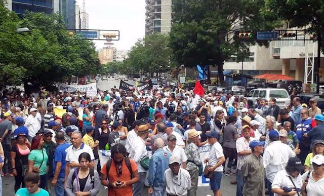 Trabajadores protestan en Caracas este 1° de mayo