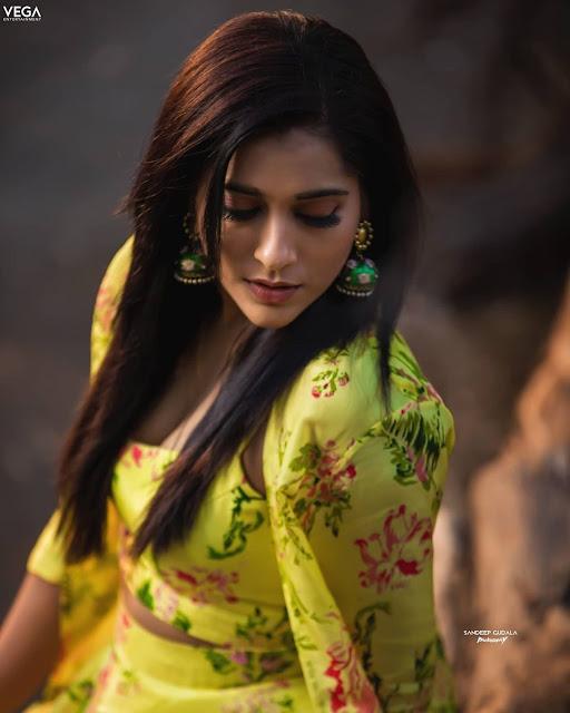 Actress Rashmi Gautam New Hot Images Navel Queens