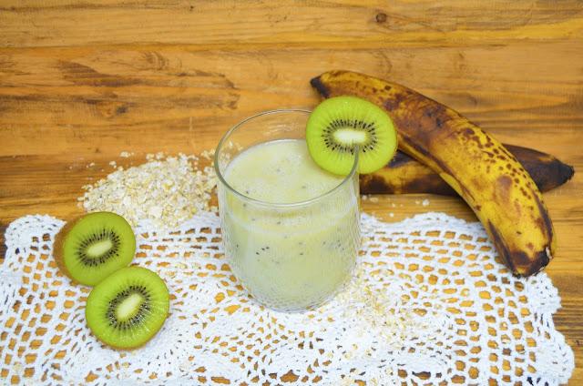 Las delicias de Mayte, kiwi y plátano, batidos para bajar de peso, batido saludable de leche de avena, batidos para adelgazar, batidos de frutas, batidos de avena, batidos saludables, batidos adelgazantes, batidos detox,