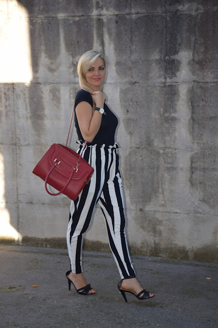 borsa rossa outfit borsa rossa come abbinare una orsa rossa red bag outfit how to wear red bag  orologio daniel wellington outfit agosto 2016 mariafelicia magno fashionbl felym fashion blog italiani fashion blogger italiane blog di moda italiani outfit estivi