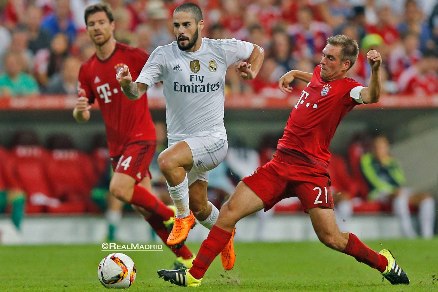 uk availability ea89b 78ce4 Real Madrid midfielder Isco debuted his modified Nike Hypervenom Phantom  Cleats in yesterday s pre-season friendly against Bayern Munich.