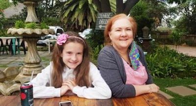 Mom and daughter at Plaaskombuis