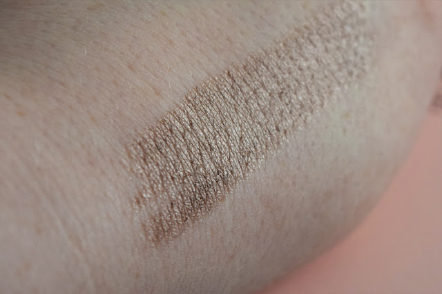 De Bruyere Beaute Jumbo Eye Pencil in Bubble 07 Swatch