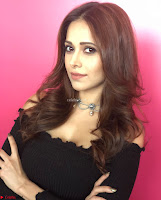 Nushrat Bharucha New Bollywood sensation from Sonu Ke u Ki Sweety Exclusive Unseen Pics ~  Exclusive Gallery 039.jpg