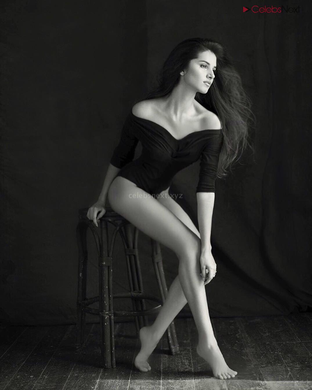 Tara Sutaria Actress of movie Student Of The Year 2 - Sizzling Bikini Lingerie Pics