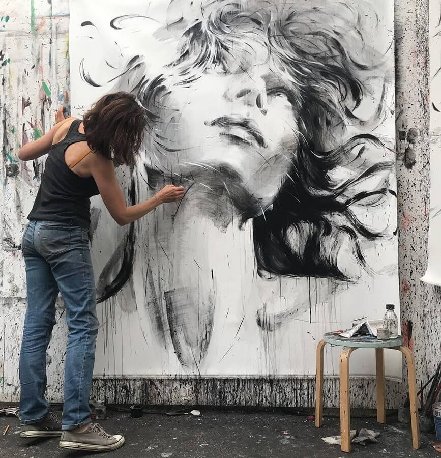 12-Large-Format-Oil-Paintings-and-Charcoal-Drawings-www-designstack-co