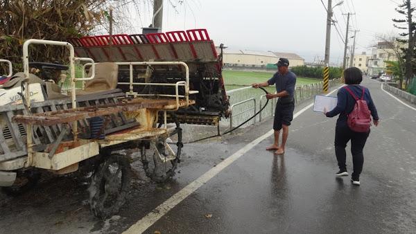 農機具清潔再上路 避免土堆沿路沾染釀交通事故挨罰