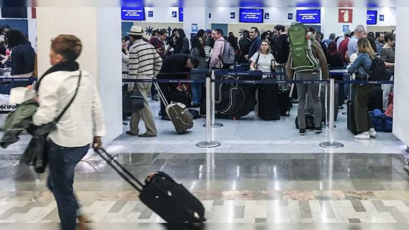 Francia lleva a su territorio a 10 mexicanos varados en China por Coronavirus