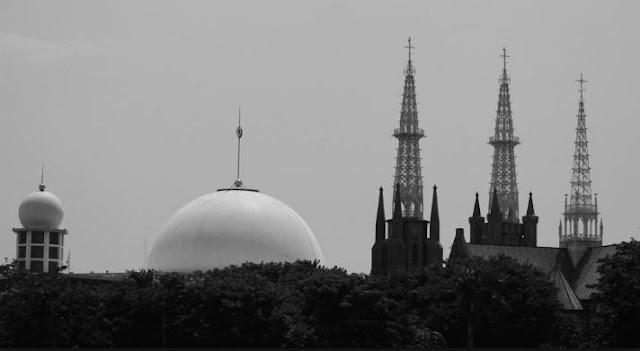Masjid Istiqlal Gereja Katedral