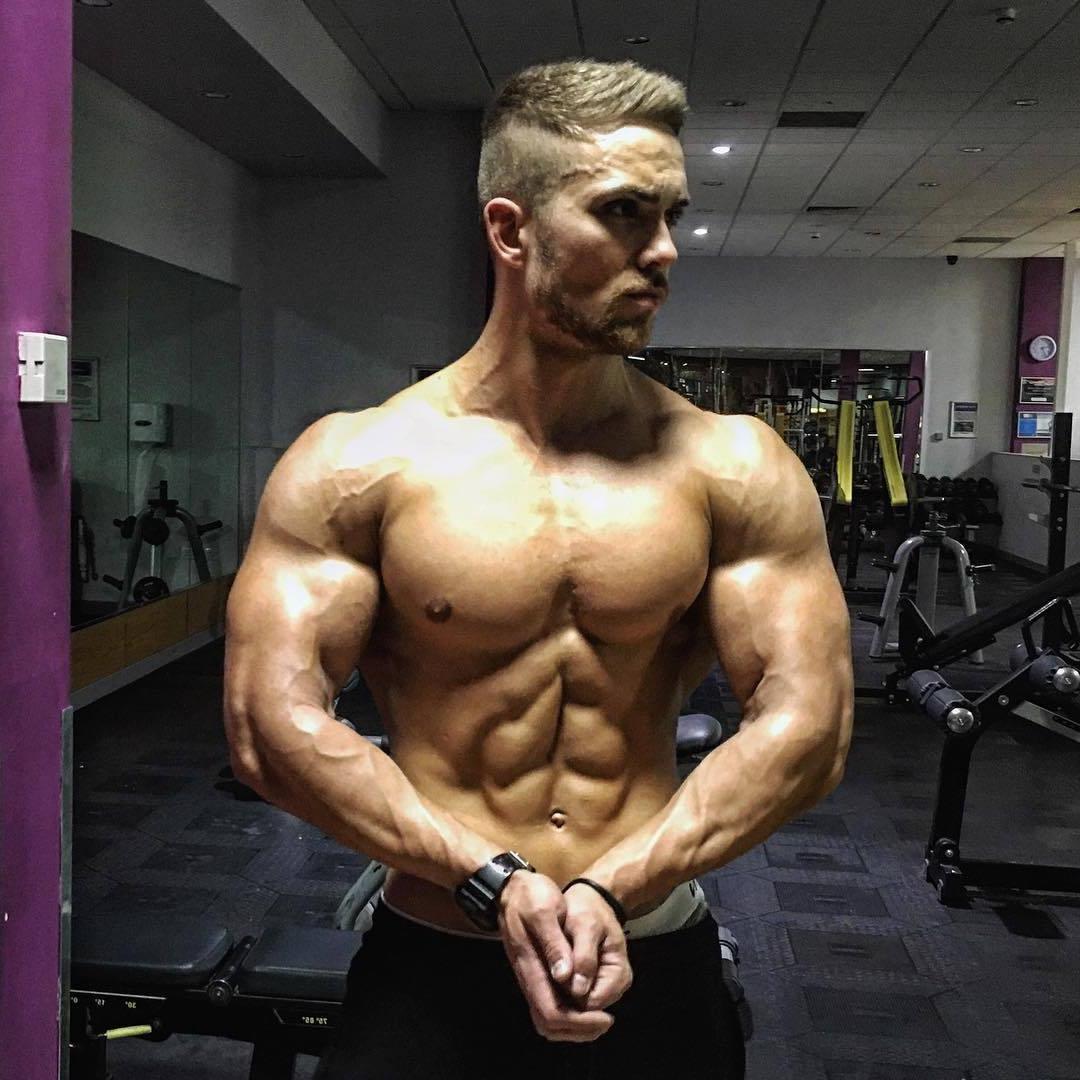 sixpack-abs-men-josh-coburn-shirtless-muscular-big-biceps-gym-hunk