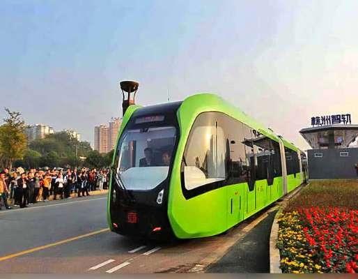 चीन ने फिर किया कमाल, बना दी बिना पटरी के चलने वाली ट्रेन!