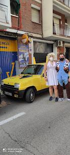 Renault 5 disfrazado