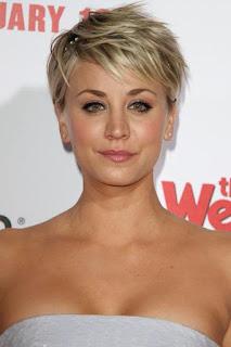 كالي كوكو (Kaley Cuoco)، ممثلة أمريكية، من مواليد يوم 30 نوفمبر 1985 في كاماريللو، كاليفورنيا، الولايات المتحدة الأمريكية.