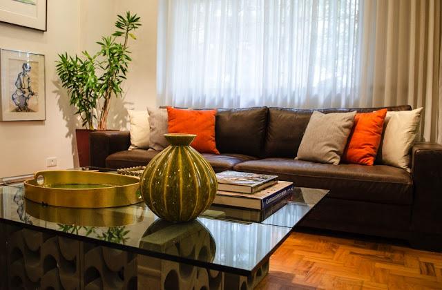 sofa-de-couro-decoracao-cuidados