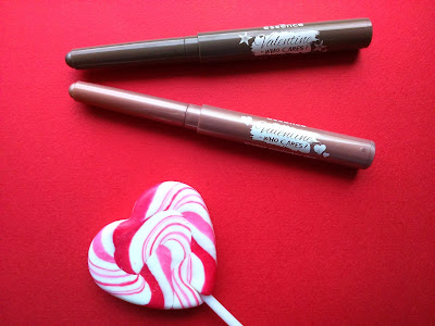 Essence Smokey eyeshadow sticks, 01 love is in the air - don't breathe! and 02 l.o.v.e. blah blah blah