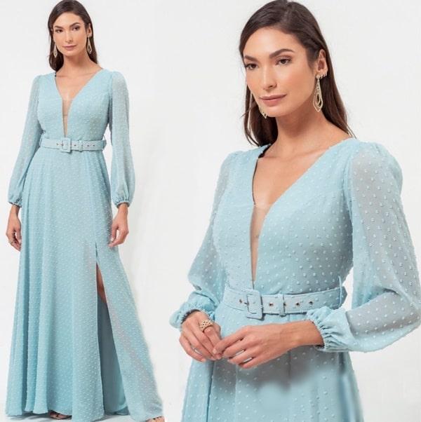 Vestido longo azul serenity em tule de poas com mangas longas