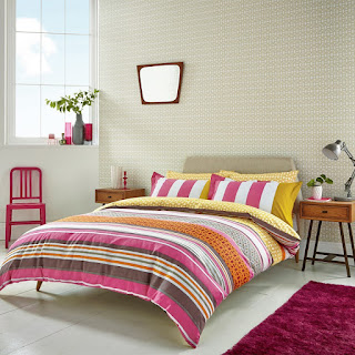 http://www.awin1.com/cread.php?awinmid=6321&awinaffid=%21%21%21id%21%21%21&clickref=&p=http%3A%2F%2Fwww.bedeckhome.com%2Flace-stripe-raspberry-set.html